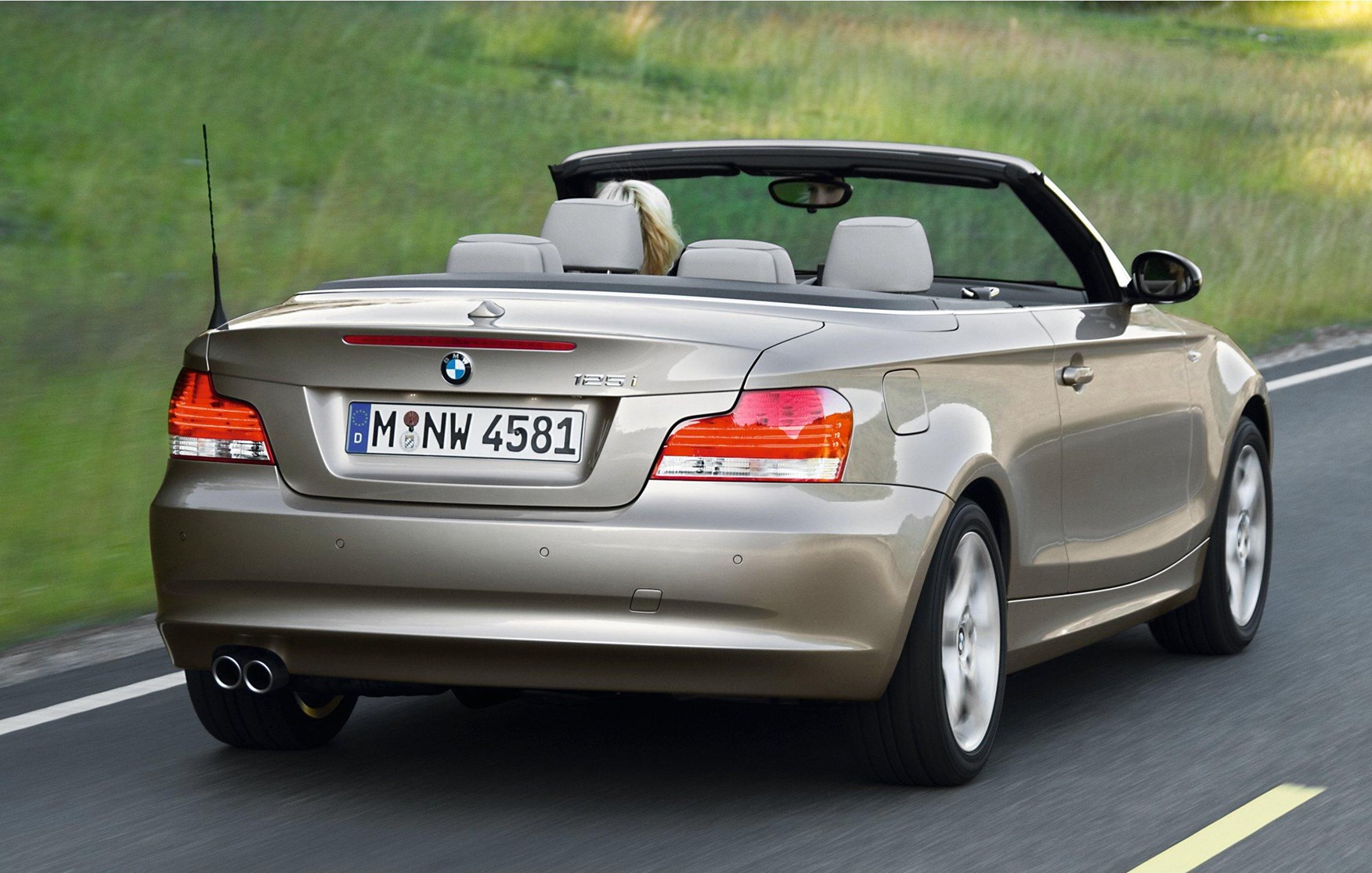 View All Images Of The BMW 1 Series Convertible 08 13